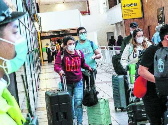 Apertura de fronteras aéreas: 48 extranjeros han debido retornar a su país por no cumplir con los requisitos al llegar a Chile